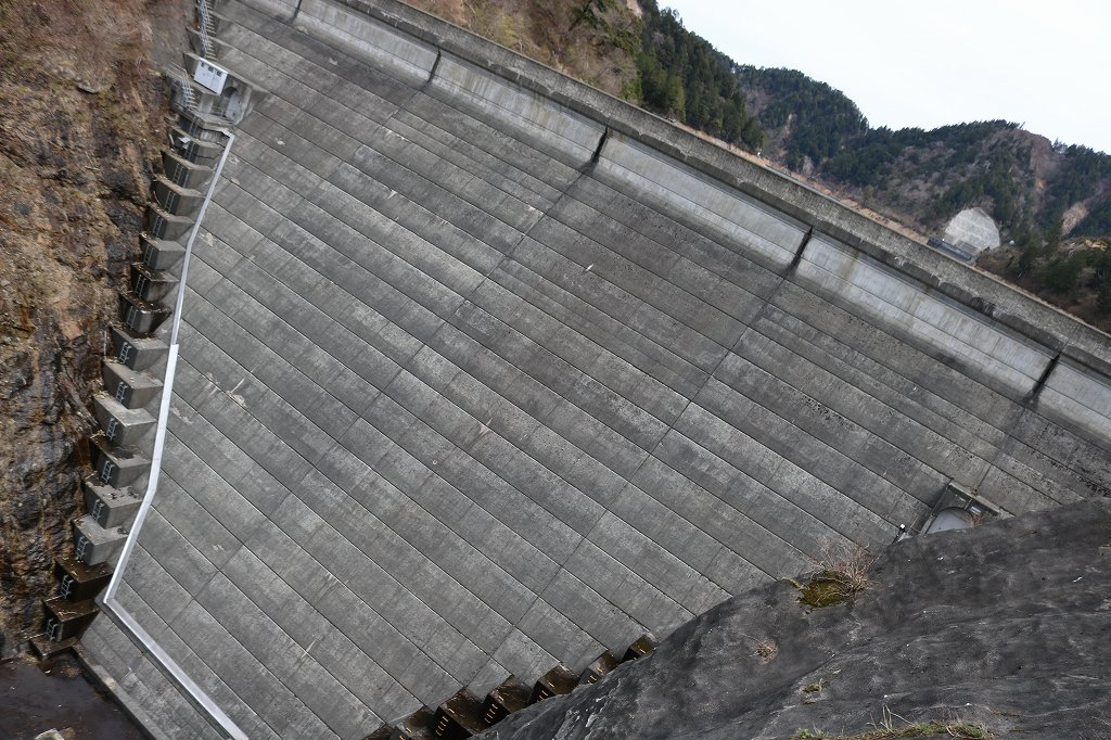 川浦鞍部ダム